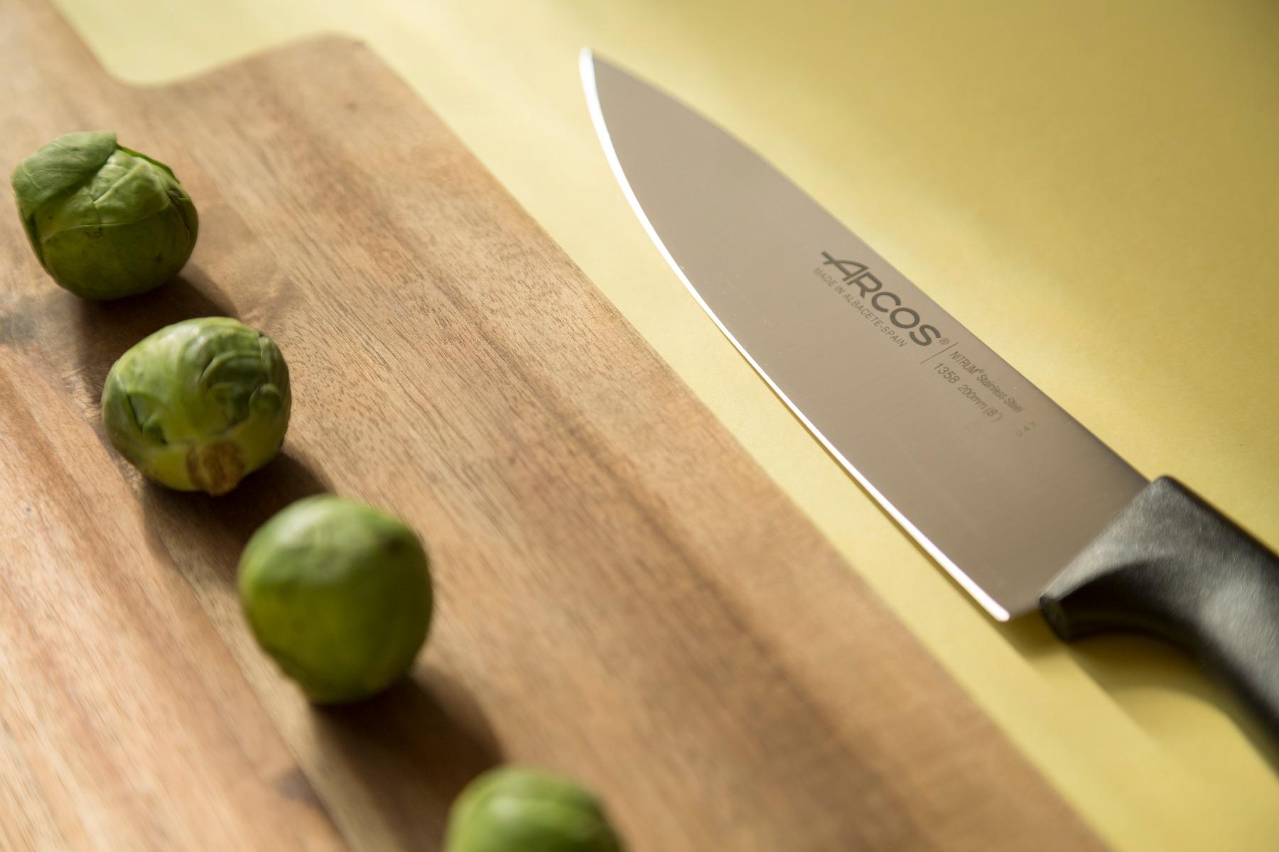 סט 5 סכיני Niza & Nova וקרש חיתוך במבוק